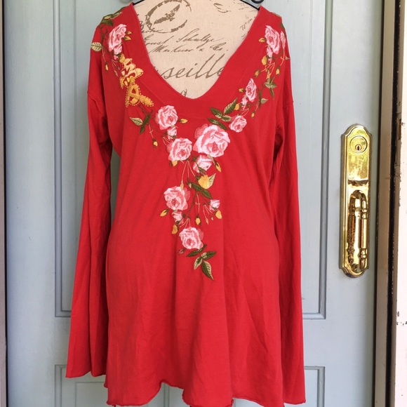 5fc3dd1c8 Johnny Was Tops - Johnny Was Long Sleeve Red Embroidered Tunic